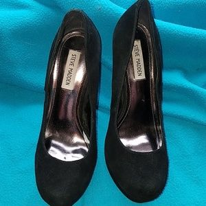 Steve Madden 6 inch black leather pump